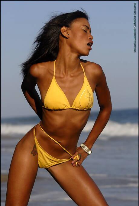 Bikini Black Pictures