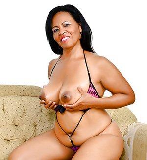 Latina Black Pictures